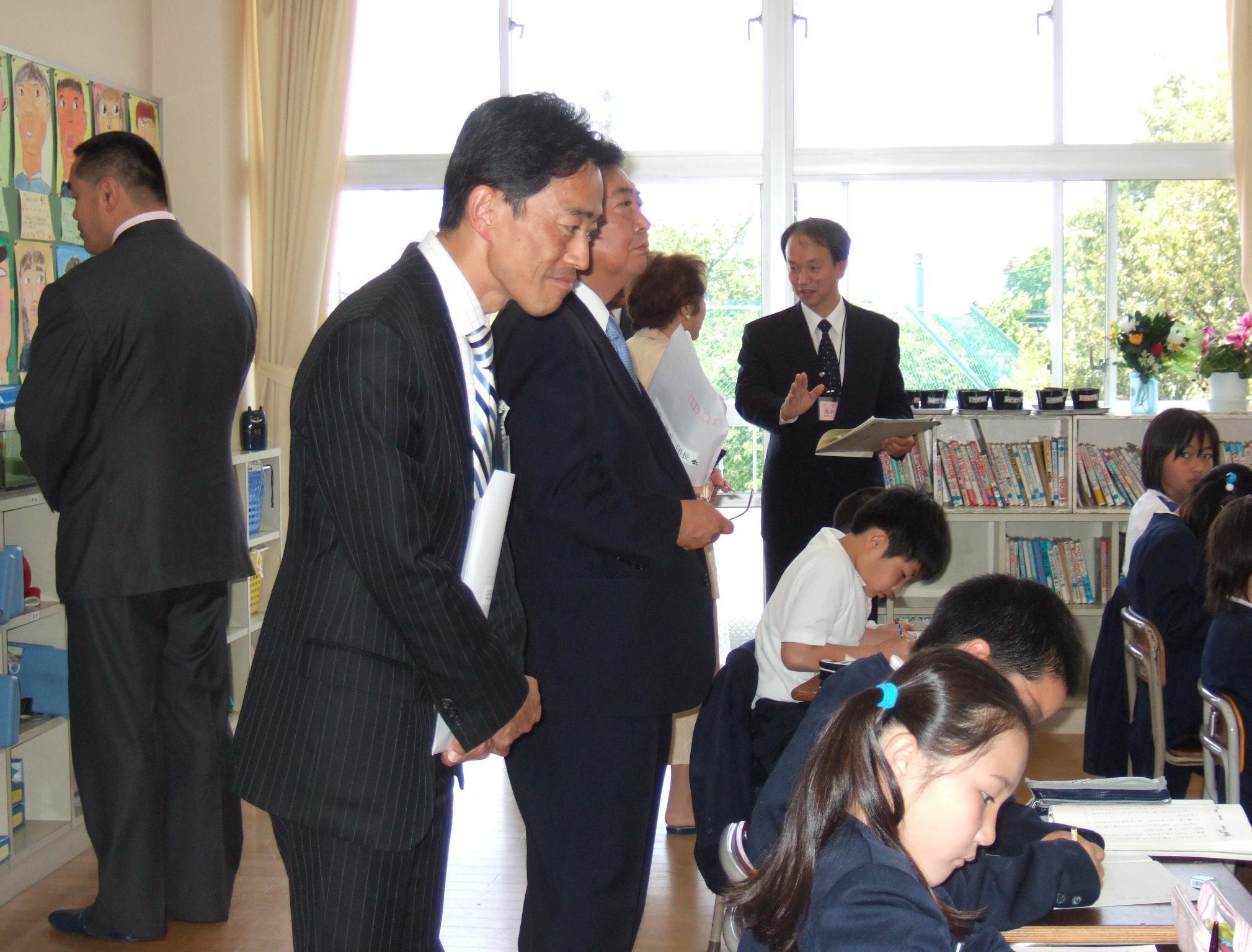 教育再生特別委員会 委員派遣