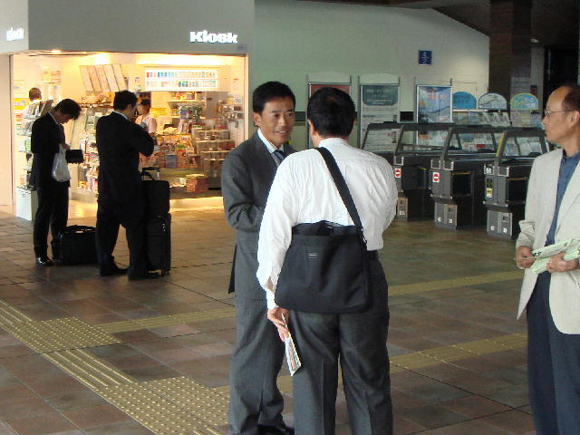 駅立ち(長浜駅)