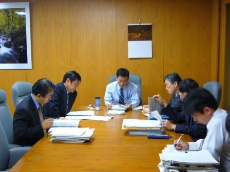 温暖化対策税省内協議(副大臣室)