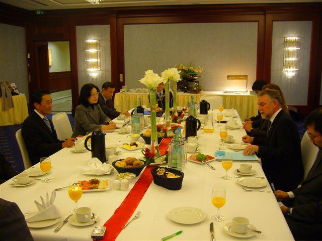 フラスバルト独環境保護庁長官とのバイ会談(1)