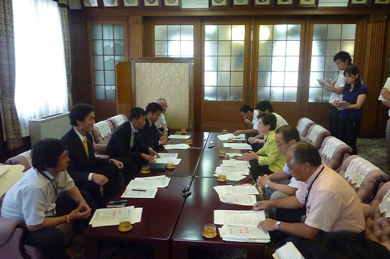 嘉田滋賀県知事と会談