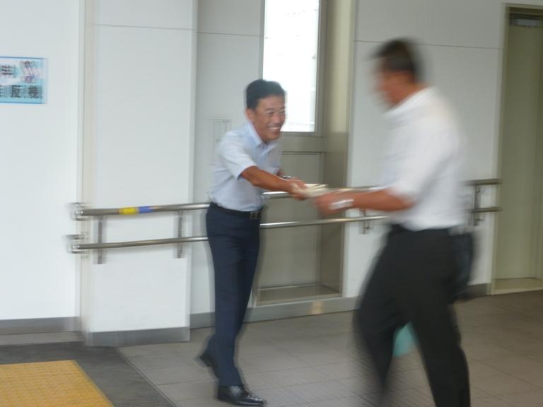 JR米原駅にて駅立ち