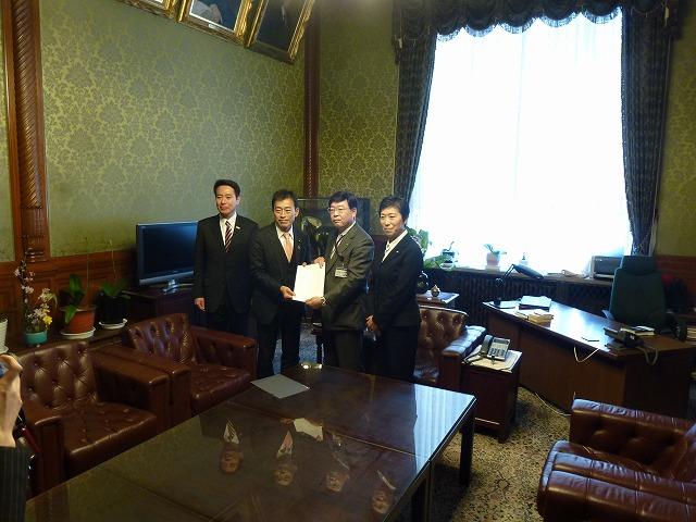 法案「琵琶湖保全再生特措法」提出