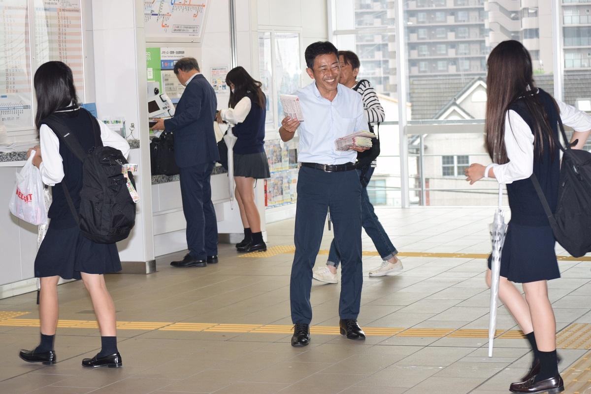稲枝駅立ち